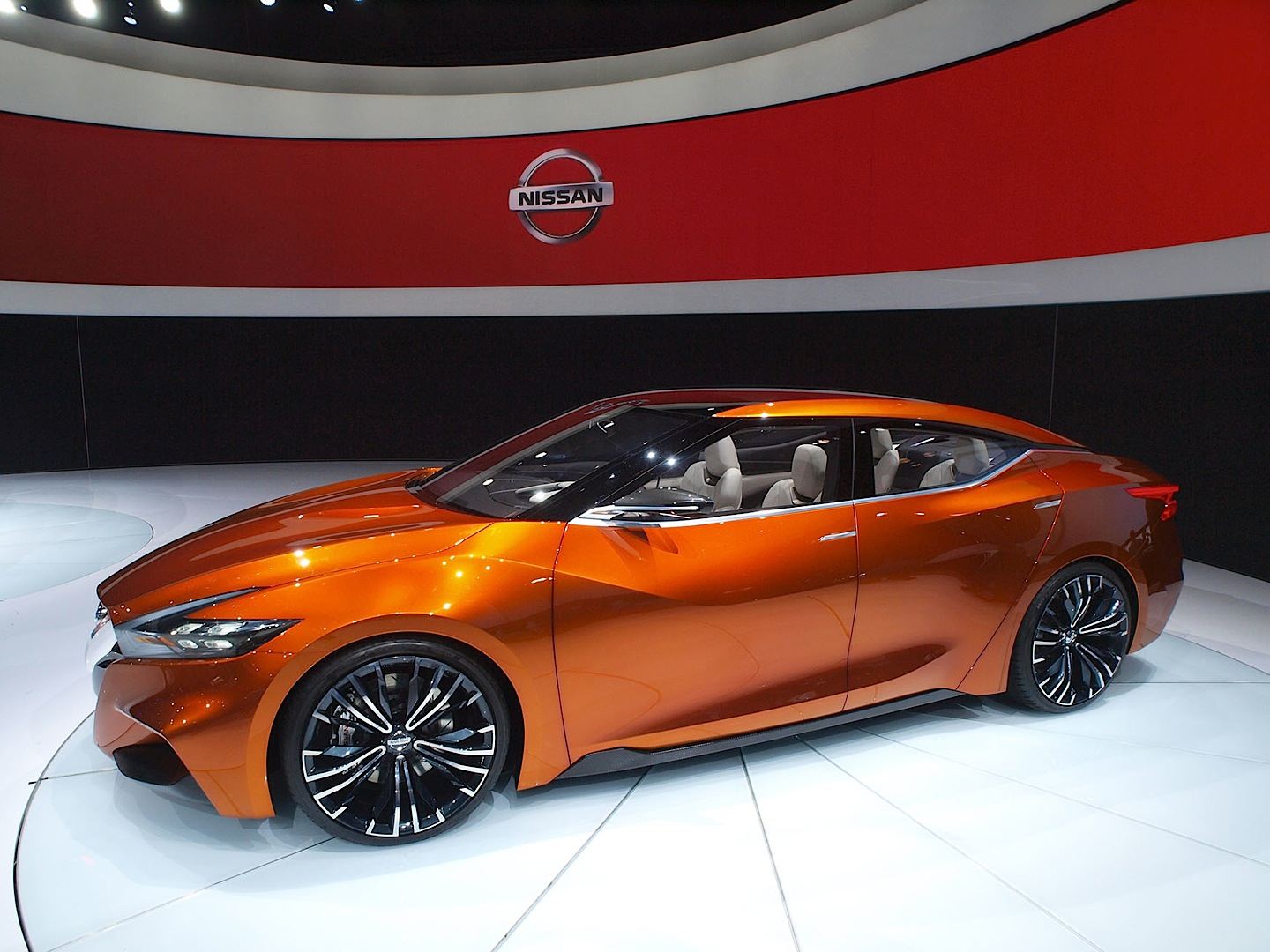 nissan sports sedan previews the 2015 maxima has attitude. Black Bedroom Furniture Sets. Home Design Ideas