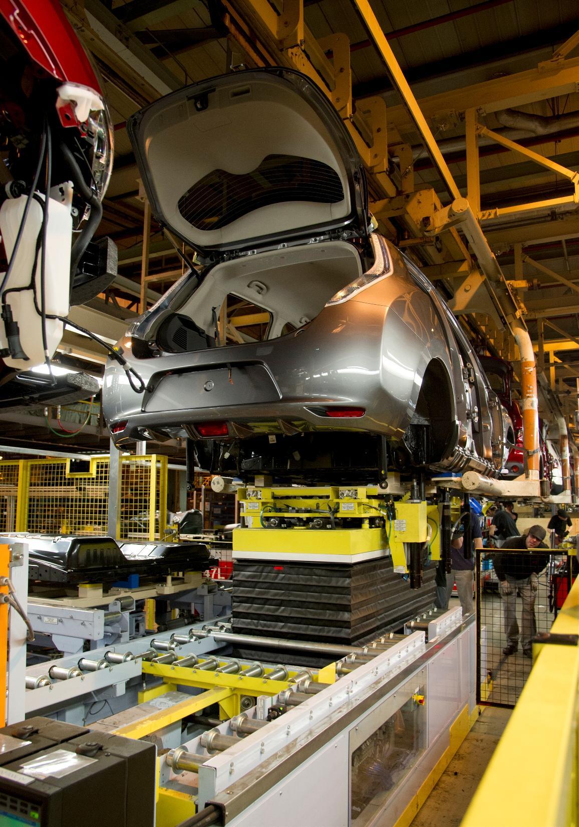 Nissan Sunderland Plant Starts Production Of Leaf Ev