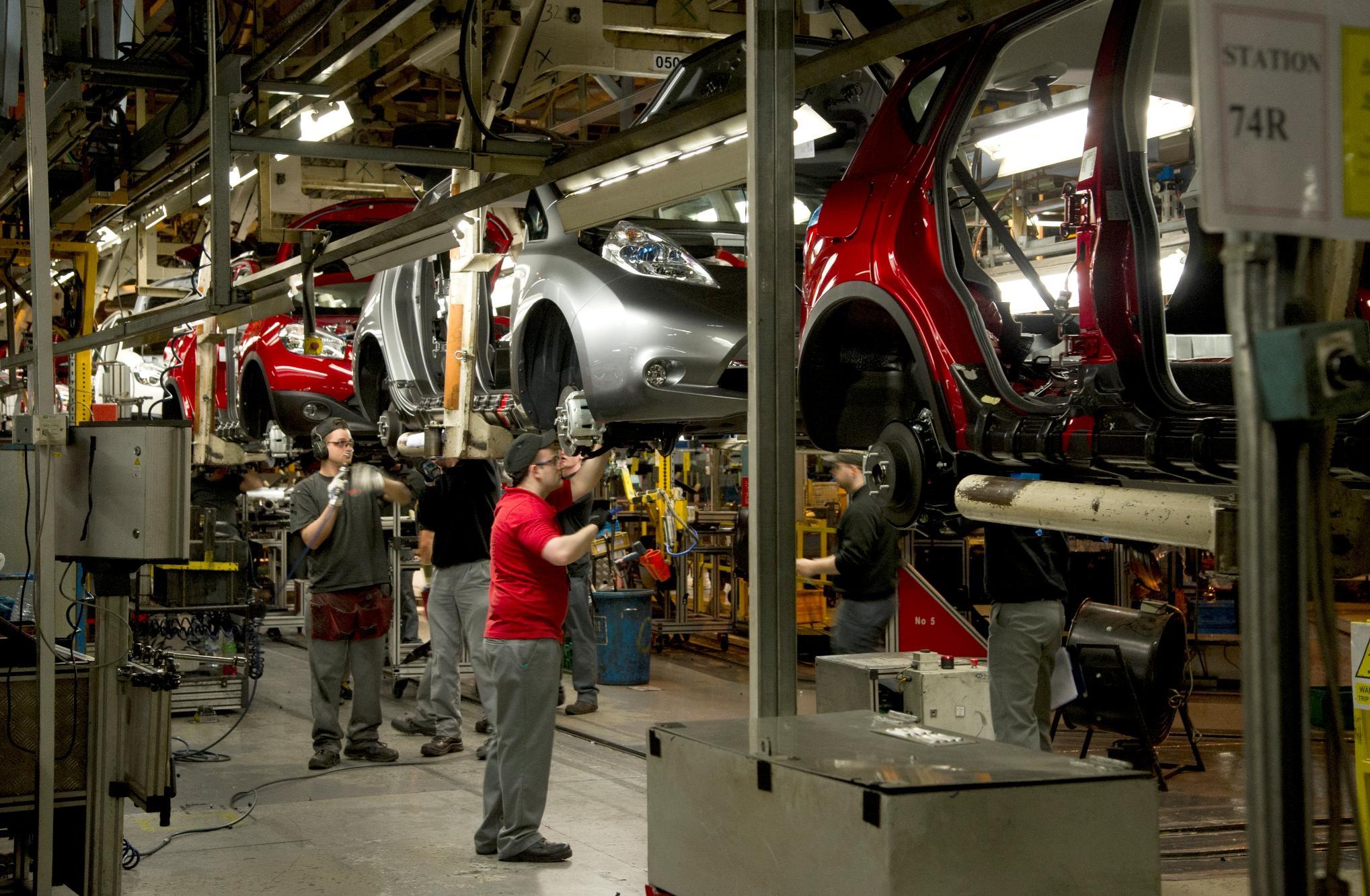 Nissan Sunderland Plant Starts Production of Leaf EV ...