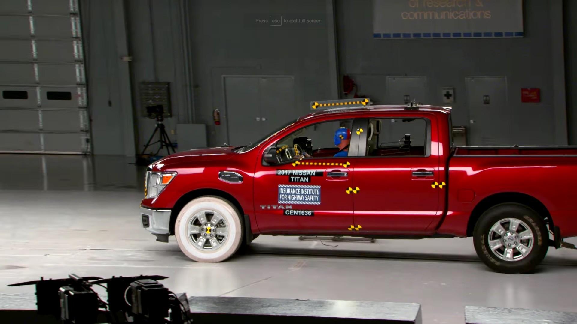 2017 nissan titan crew cab rated  u201cmarginal u201d in small overlap iihs crash test