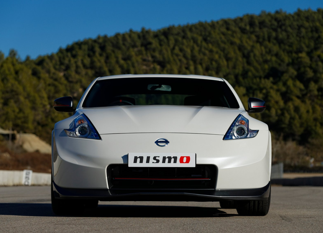 Nissan unveils 2014 370z nismo at chicago auto show photo gallery autoevolution