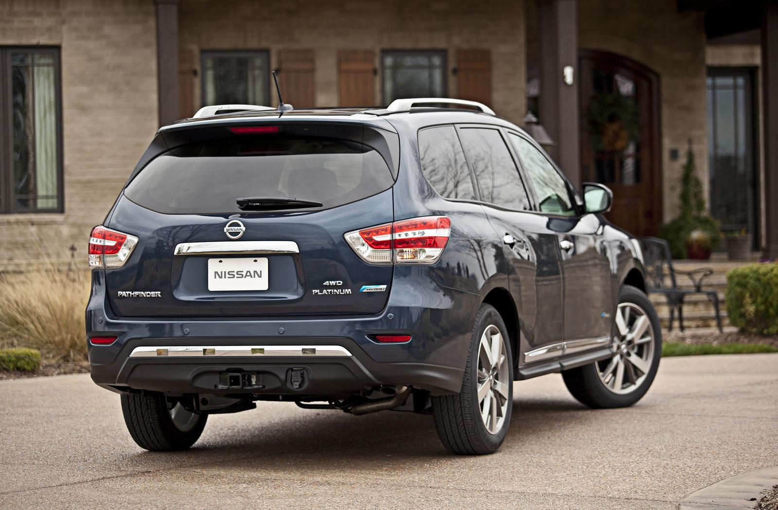 Nissan unwraps 2014 pathfinder hybrid autoevolution 2014 nissan pathfinder hybrid vanachro Image collections