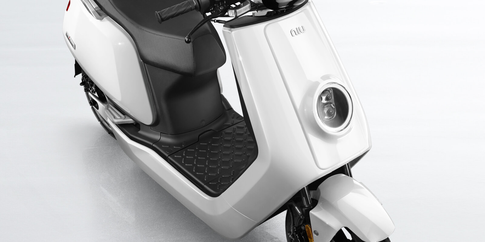 simson schwalbe reborn as govecs electric scooter