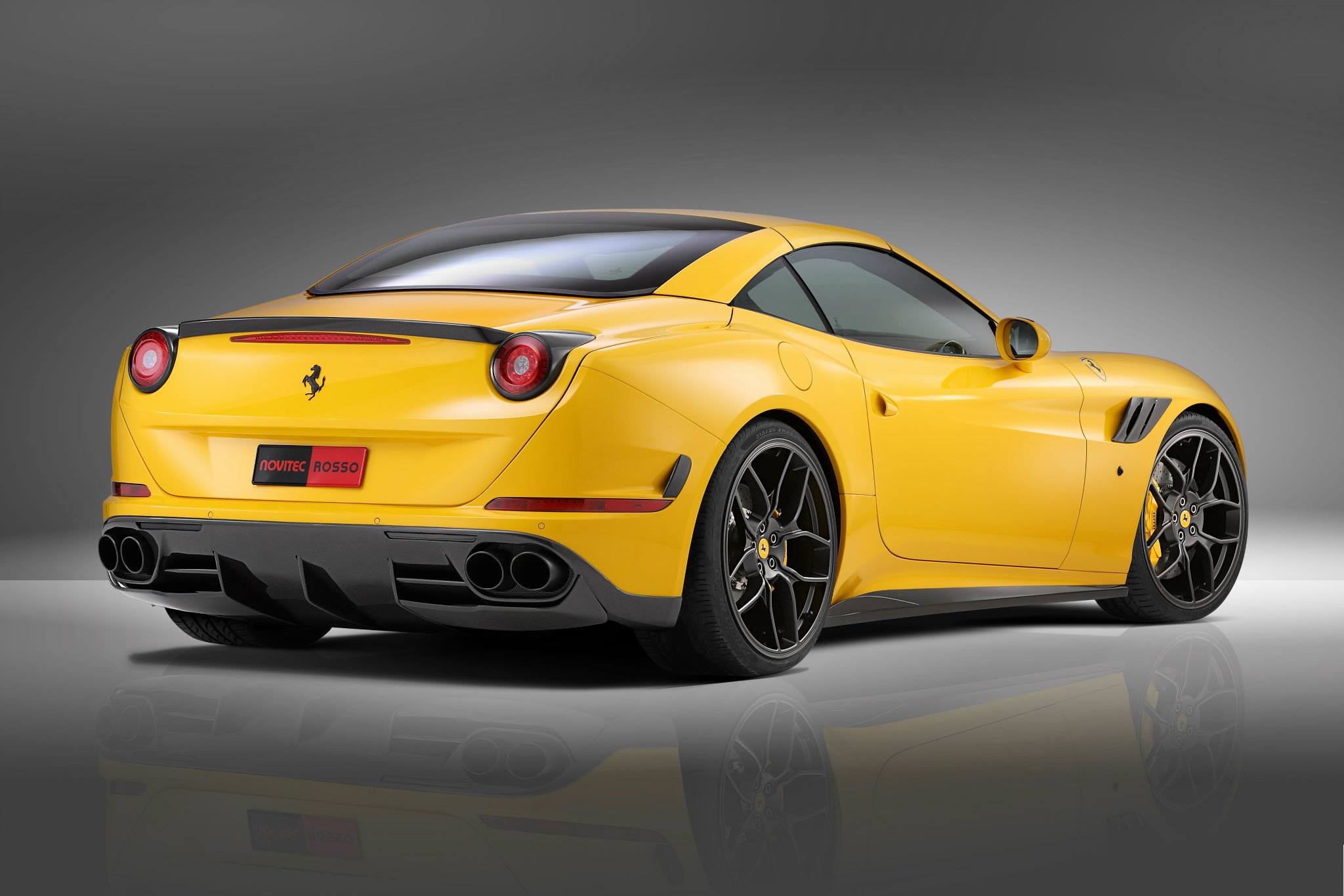 novitec rosso ferrari california t revealed with carbon kit more power autoevolution. Black Bedroom Furniture Sets. Home Design Ideas