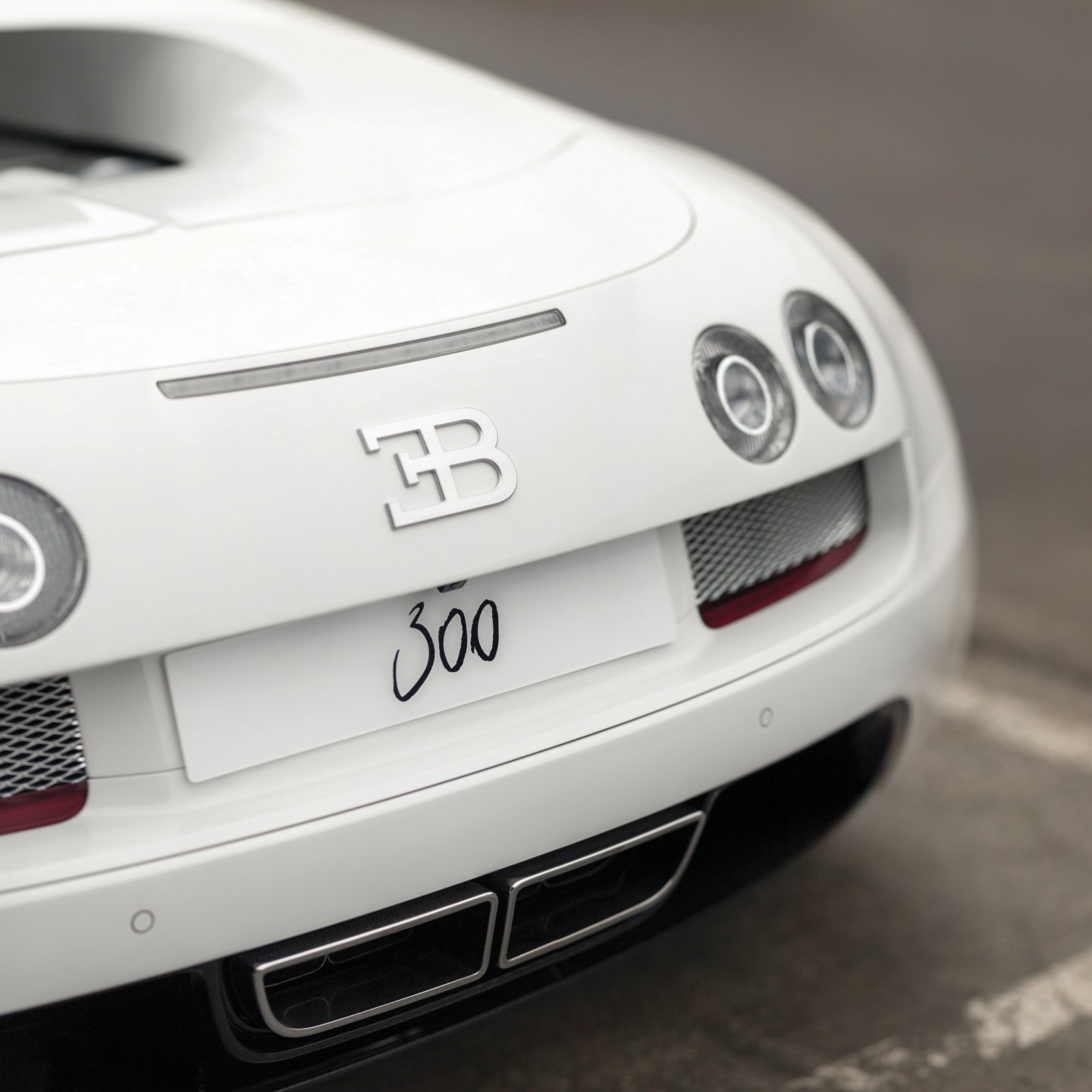 nows-your-chance-to-buy-yourself-the-final-bugatti-veyron-coupe-ever-made_9 Fascinating Bugatti Veyron Grand Sport Vitesse 1/4 Mile Cars Trend