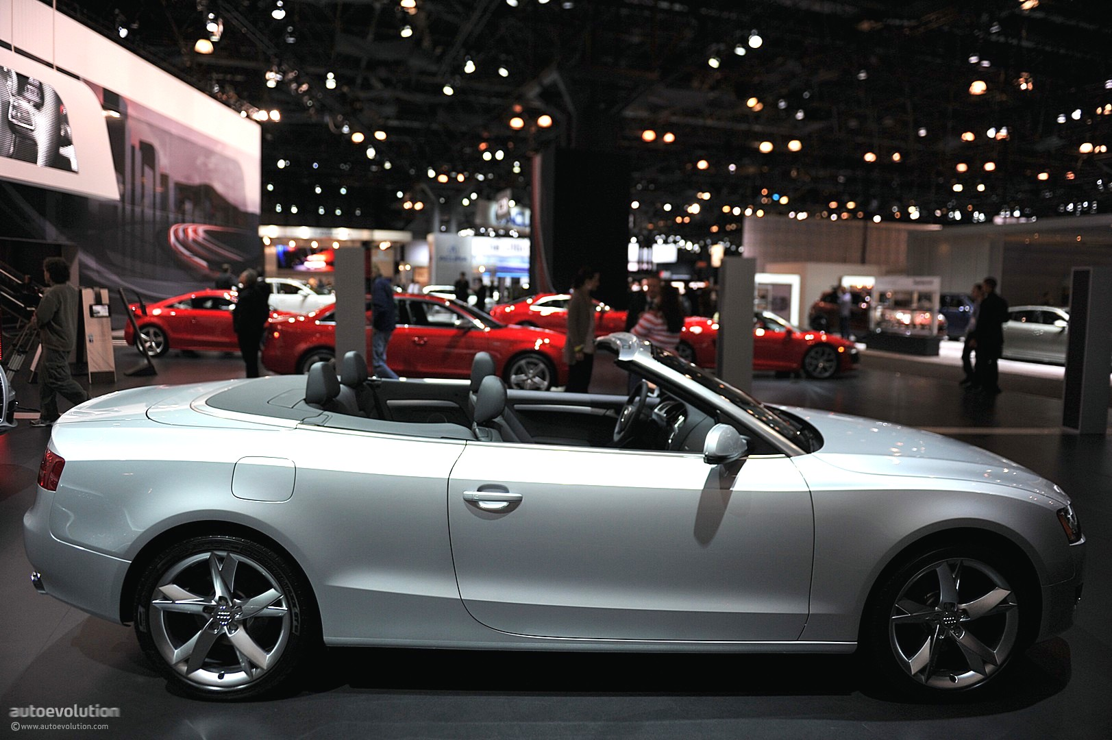 nyias 2011 audi a5 cabriolet live photos autoevolution. Black Bedroom Furniture Sets. Home Design Ideas