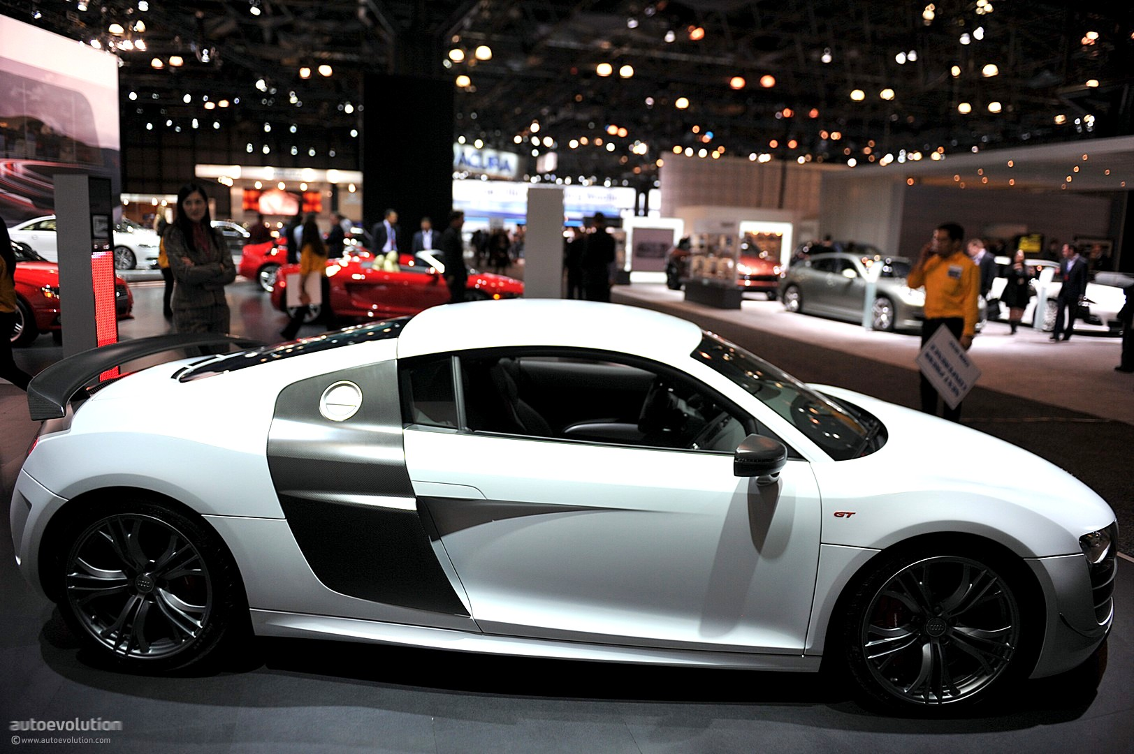 NYIAS 2011: Audi R8 GT [Live Photos] - autoevolution