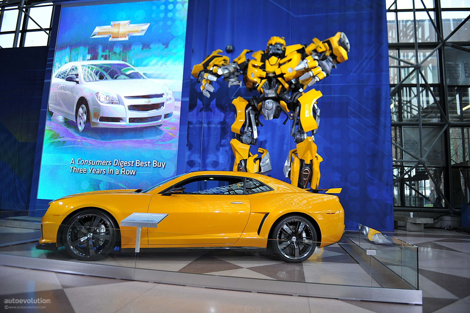 NYIAS 2011: Camaro Bumblebee As Seen in Transformers 3 ...