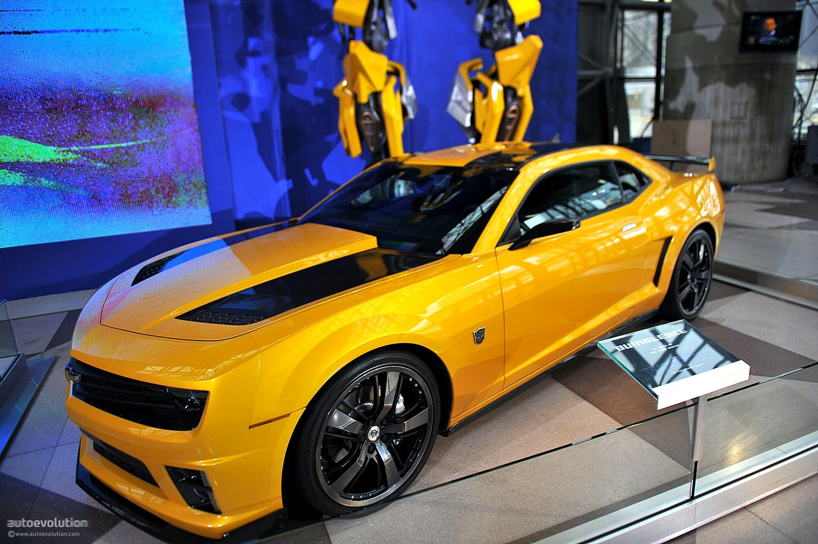 Nyias 2011 Camaro Bumblebee As Seen In Transformers 3