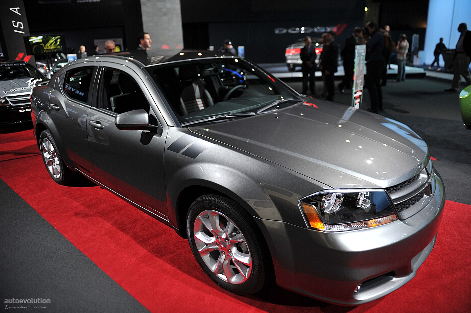 nyias 2011: dodge avenger r/t [live photos] - autoevolution