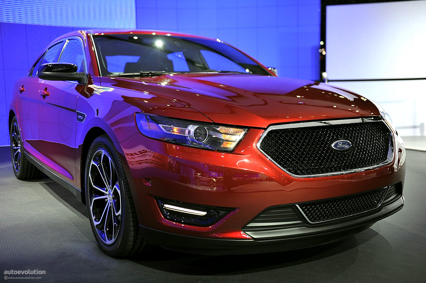 Nyias 2011 Ford Taurus And Taurus Sho Live Photos