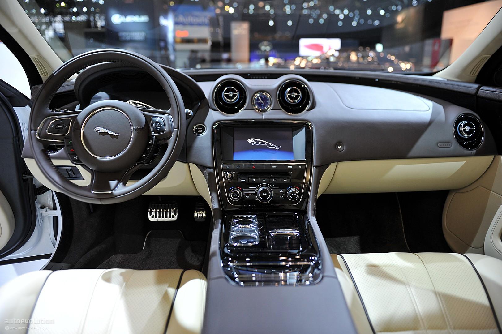 NYIAS Jaguar XJL Supersport Live Photos Autoevolution - 2011 jaguar xj supersport