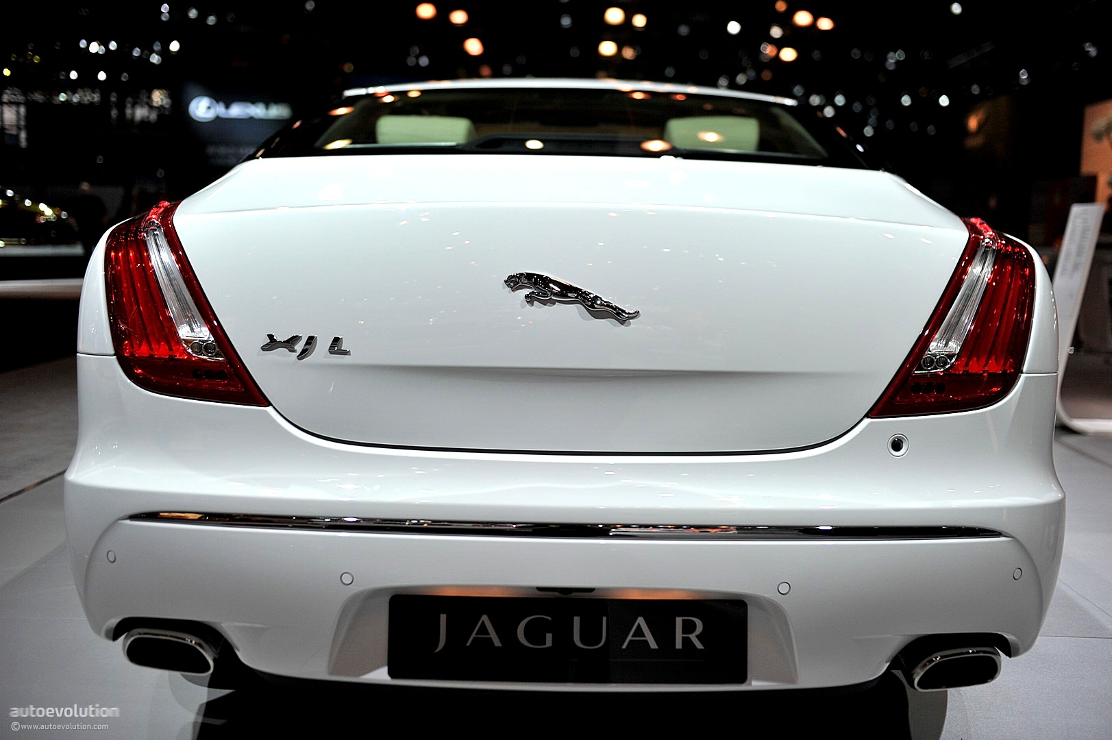Nyias 2011 Jaguar Xjl Supersport Live Photos