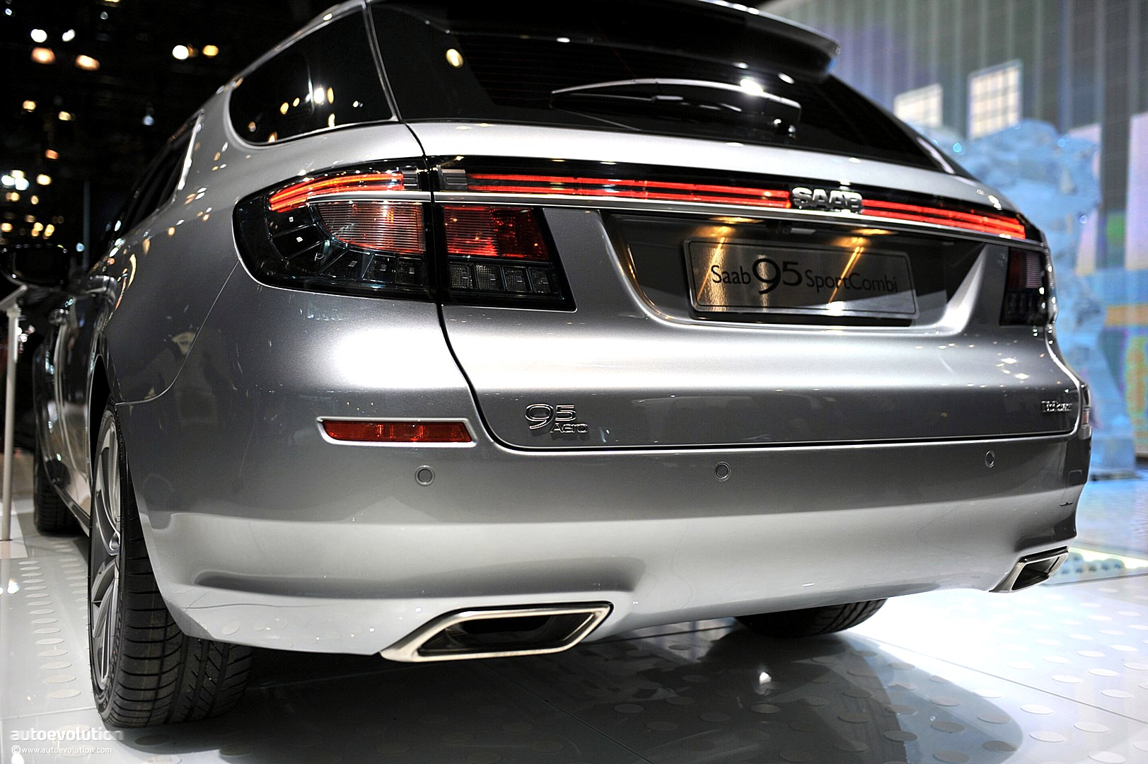 NYIAS 2011: Saab 9-5 SportCombi [Live Photos] - autoevolution
