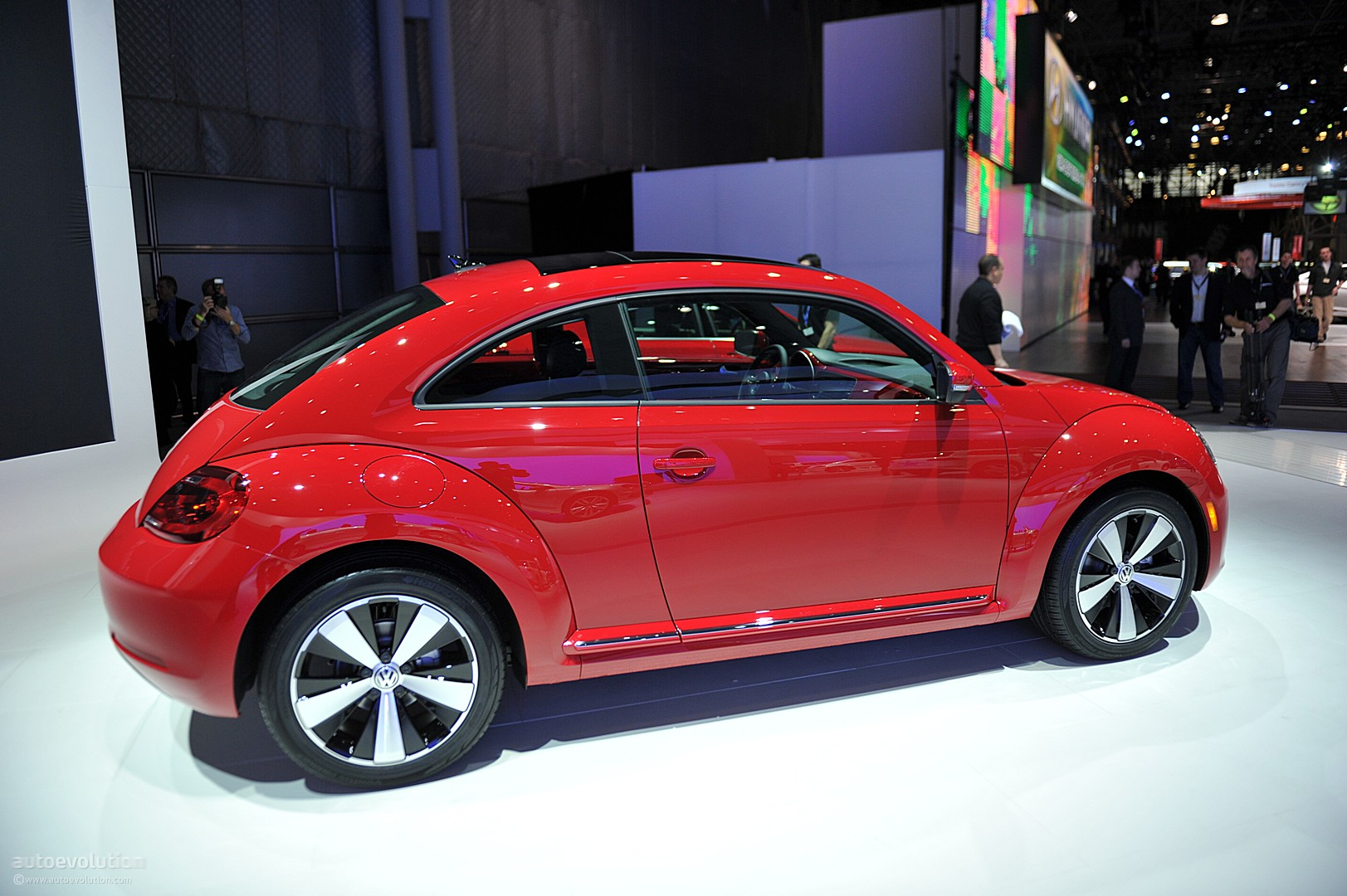 NYIAS 2011 Volkswagen Beetle Live Photos  autoevolution