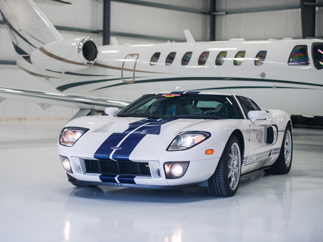 old ford gt heads to auction with 10 8 miles on the odometer autoevolution. Black Bedroom Furniture Sets. Home Design Ideas