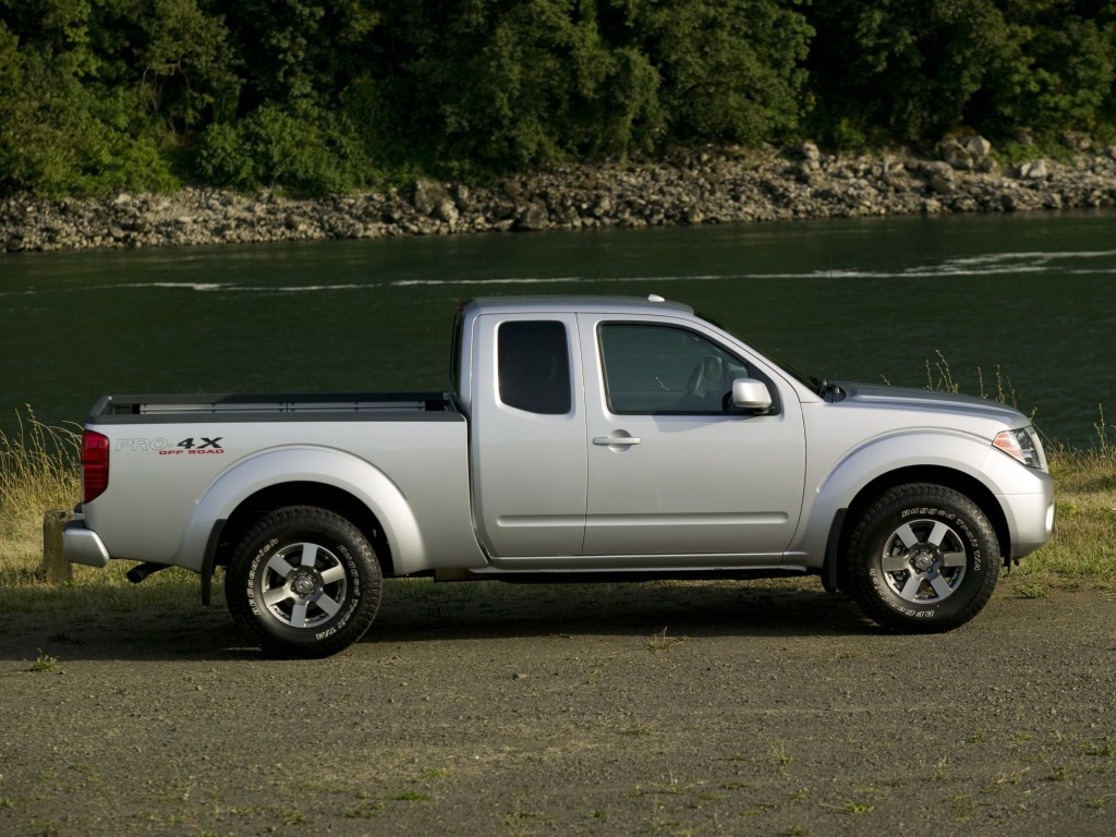 Nissan Frontier Pro 4x >> Old Nissan Frontier Soldiers On for 2017, At Least It's ...