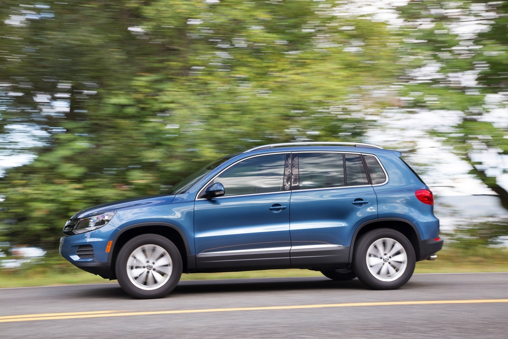 Old Tiguan Lives On In The U.S. For 2018 And 2019 MY Thanks To Demand - autoevolution