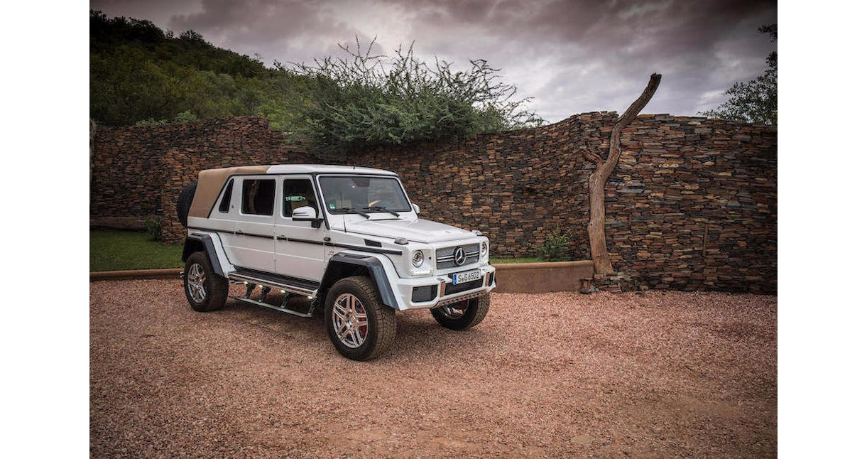 https://s1.cdn.autoevolution.com/images/news/gallery/one-example-of-the-2018-mercedes-maybach-g650-landaulet-is-heading-to-auction_3.jpg