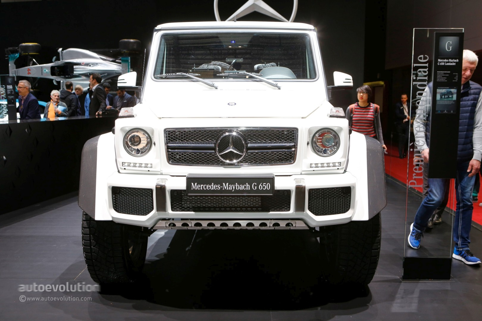 https://s1.cdn.autoevolution.com/images/news/gallery/one-example-of-the-2018-mercedes-maybach-g650-landaulet-is-heading-to-auction_6.jpg