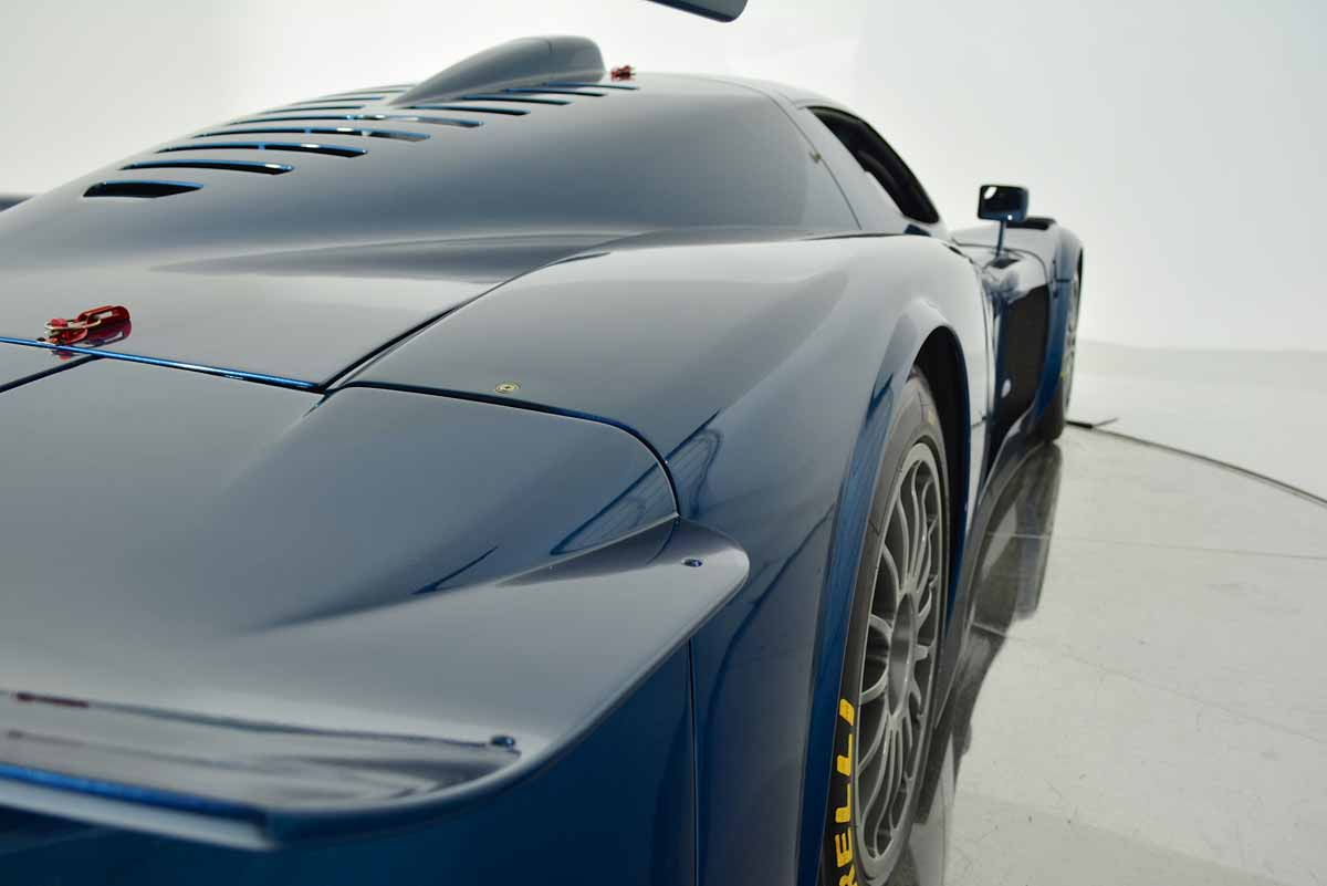 one of 12 maserati mc12 corsa listed for 3 million photo gallery autoevolution. Black Bedroom Furniture Sets. Home Design Ideas