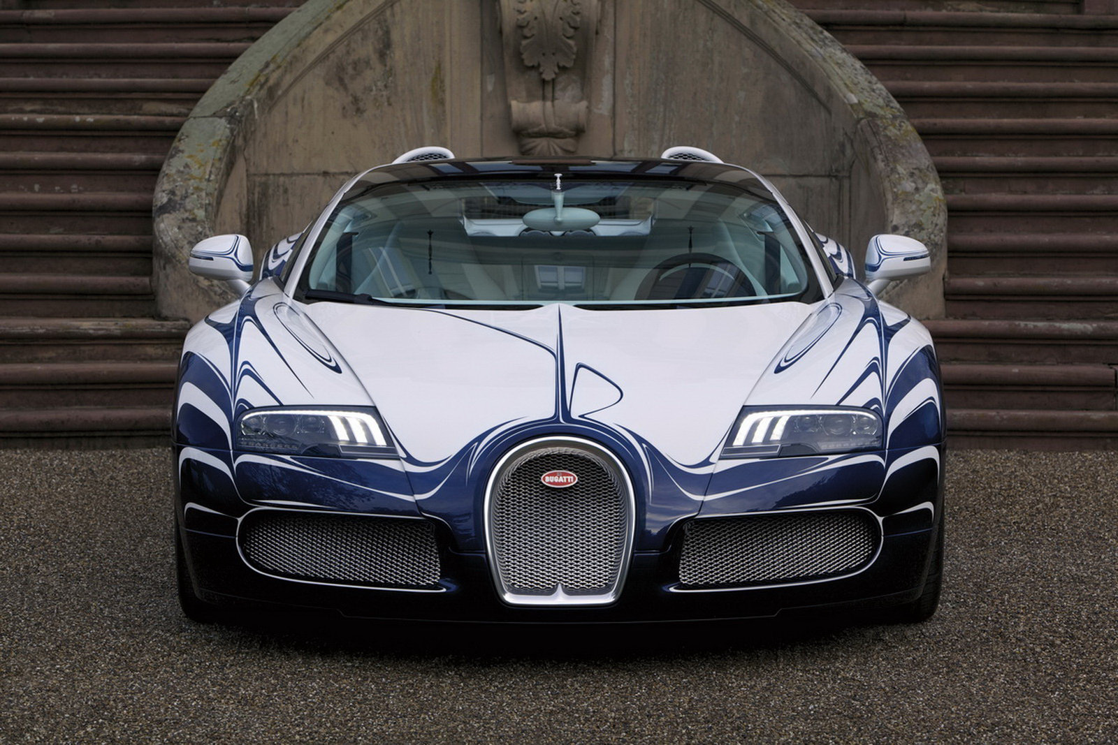 One-off Bugatti Veyron L\'Or Blanc Is Pimped Out With... Porcelain ...