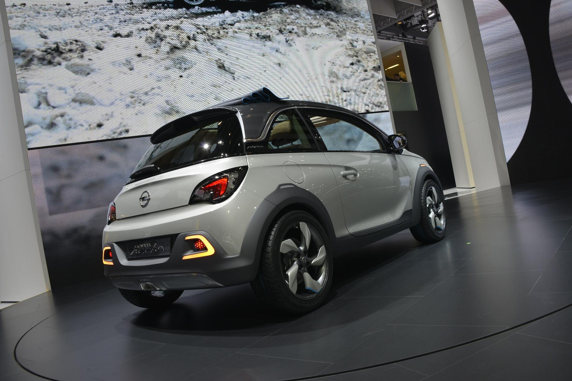 opel adam rocks geneva 2013 video live photos autoevolution. Black Bedroom Furniture Sets. Home Design Ideas