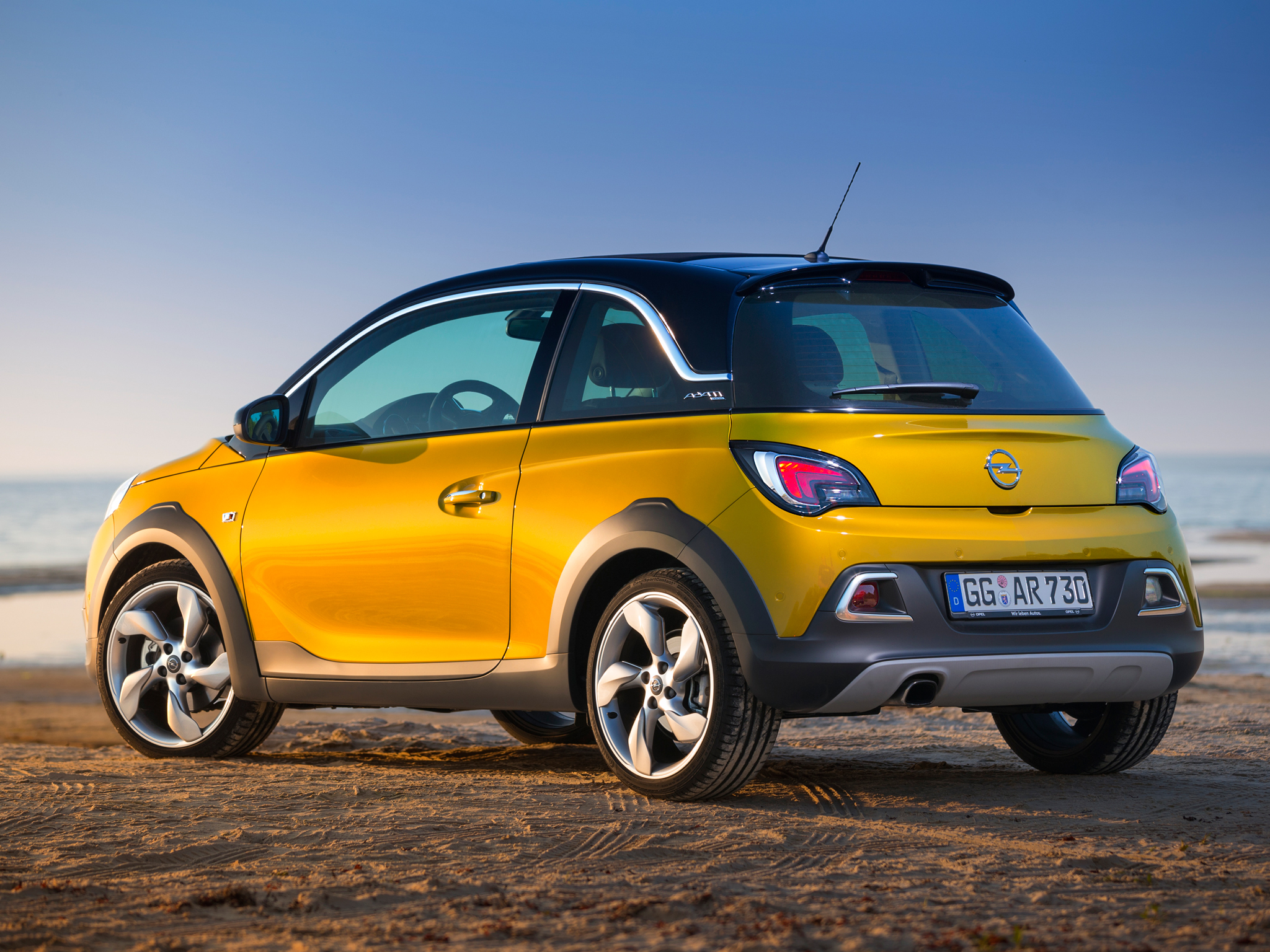 opel adam rocks priced from 15 990 in germany video. Black Bedroom Furniture Sets. Home Design Ideas
