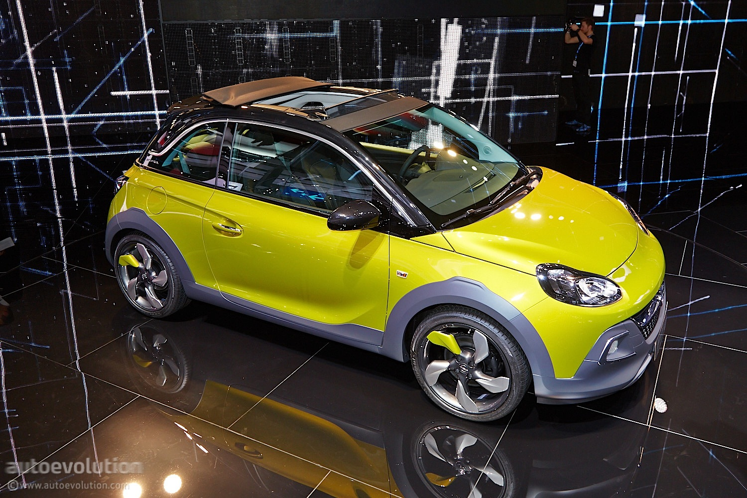 opel adam rocks rolls its way to a geneva debut live. Black Bedroom Furniture Sets. Home Design Ideas