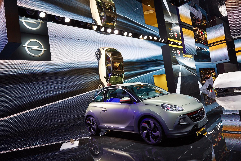 2014 - [Suisse] Salon de Genève  - Page 3 Opel-adam-rocks-rolls-its-way-to-a-geneva-debut-live-photos_4