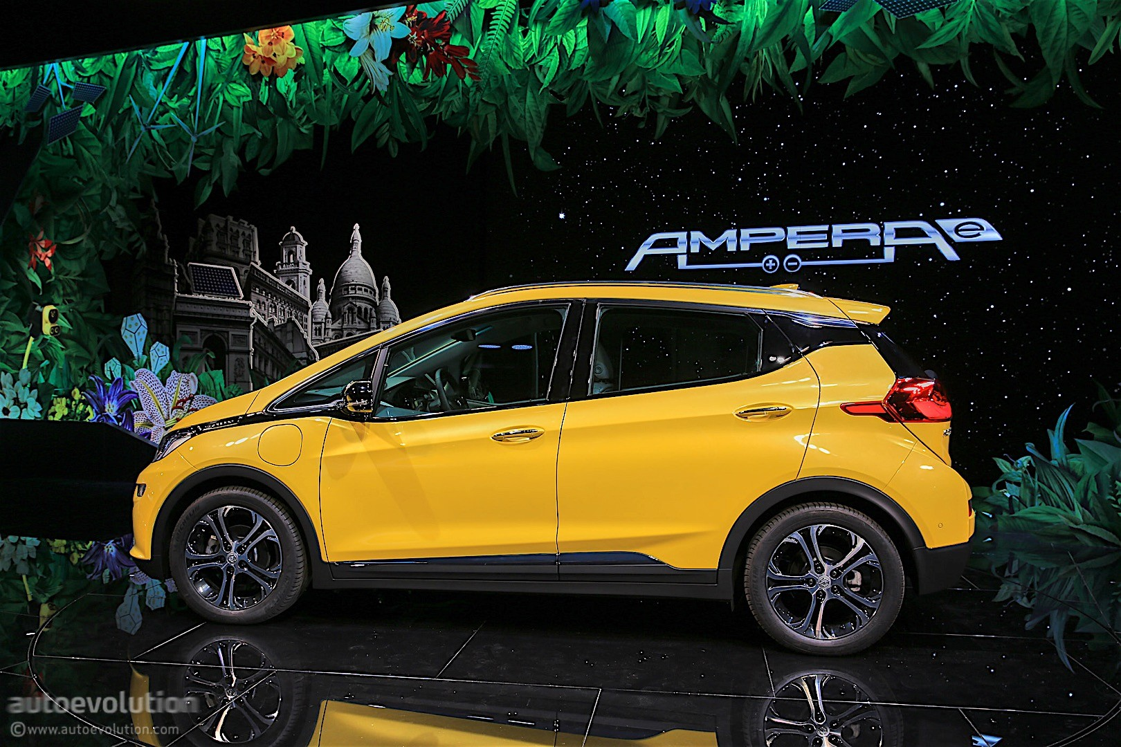 Misleading opel ampera ad banned in the uk autoevolution for Garage opel paris 12