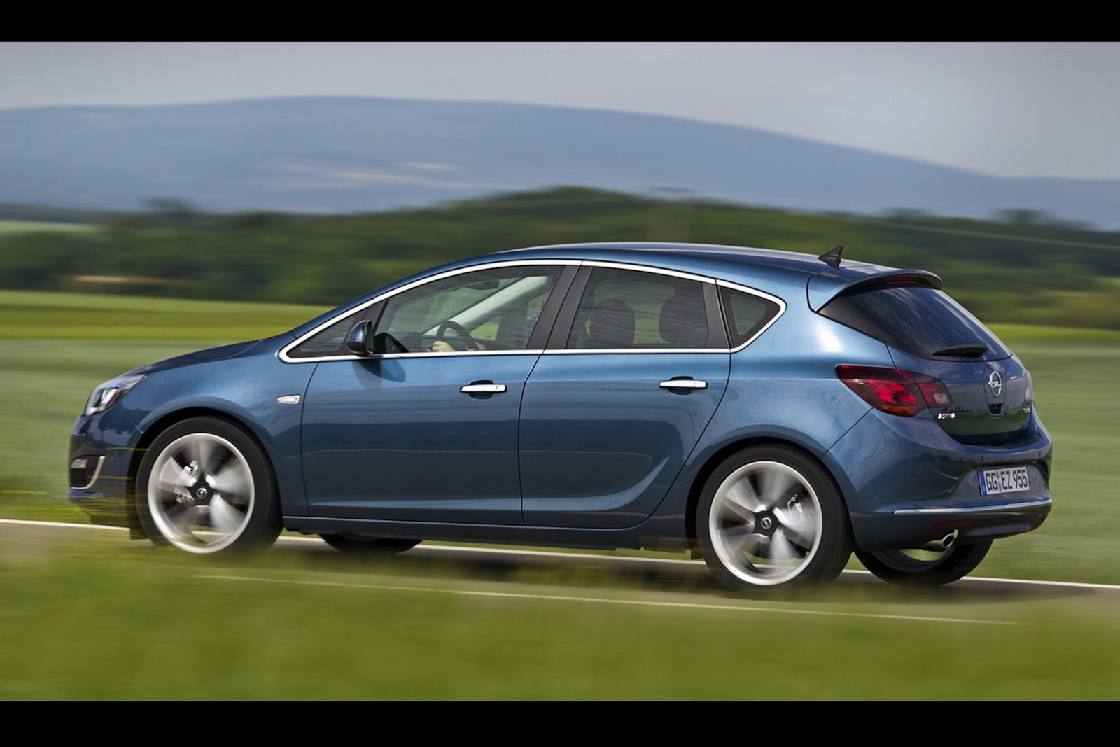 Opel Astra Royal Blue >> Opel Astra Gets New 1.6 SIDI Turbo Engine - autoevolution