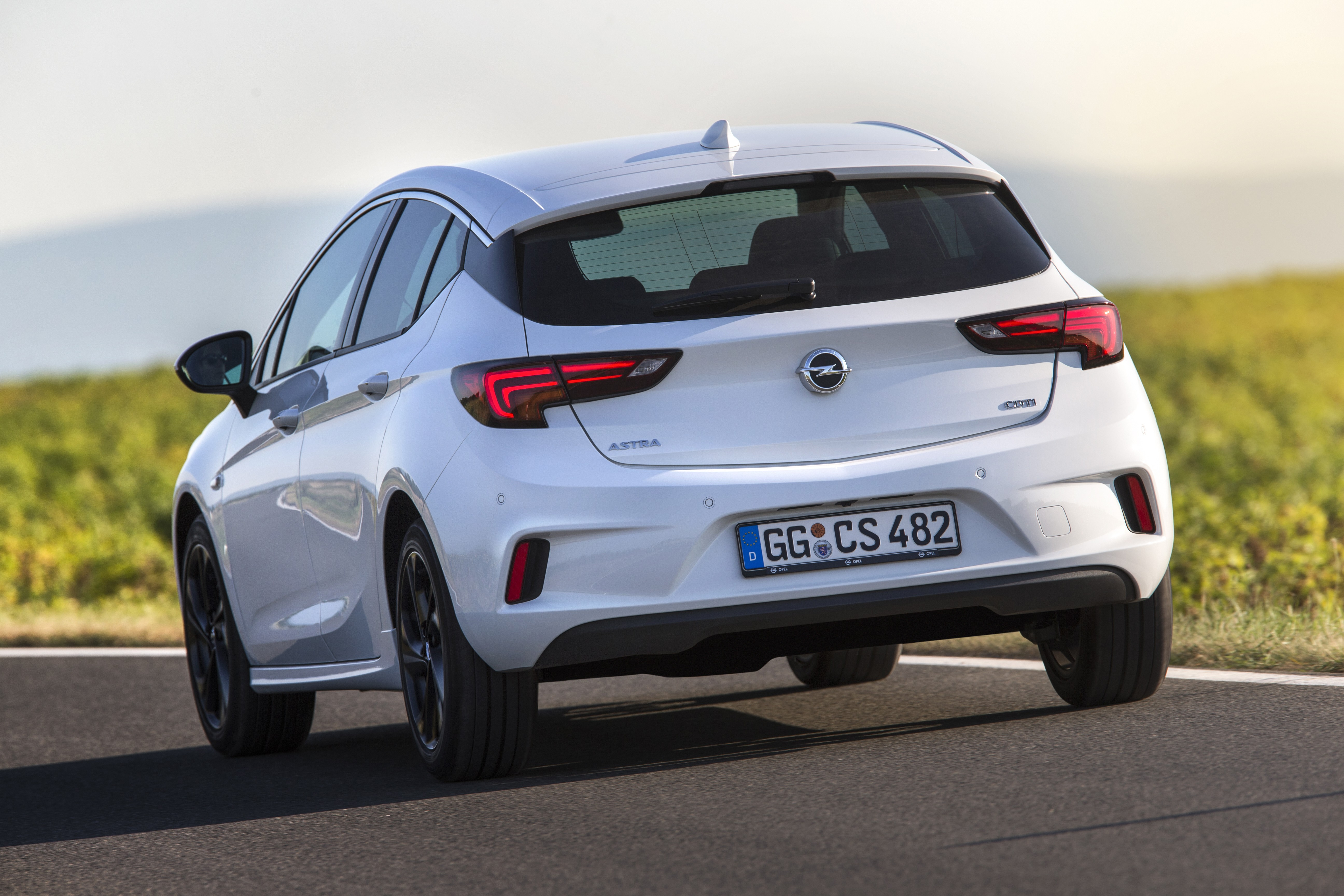 2016 opel astra gsi hot hatch powered by 160 hp twin turbo diesel autoevolution. Black Bedroom Furniture Sets. Home Design Ideas