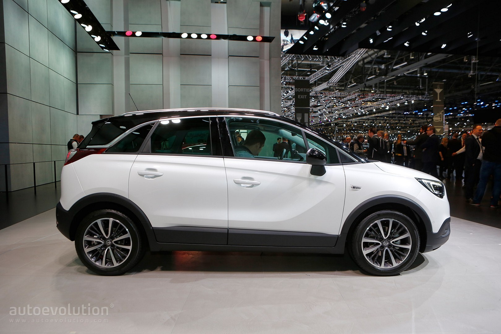 Opel Crossland X Is Now A Peugeot In Geneva Autoevolution