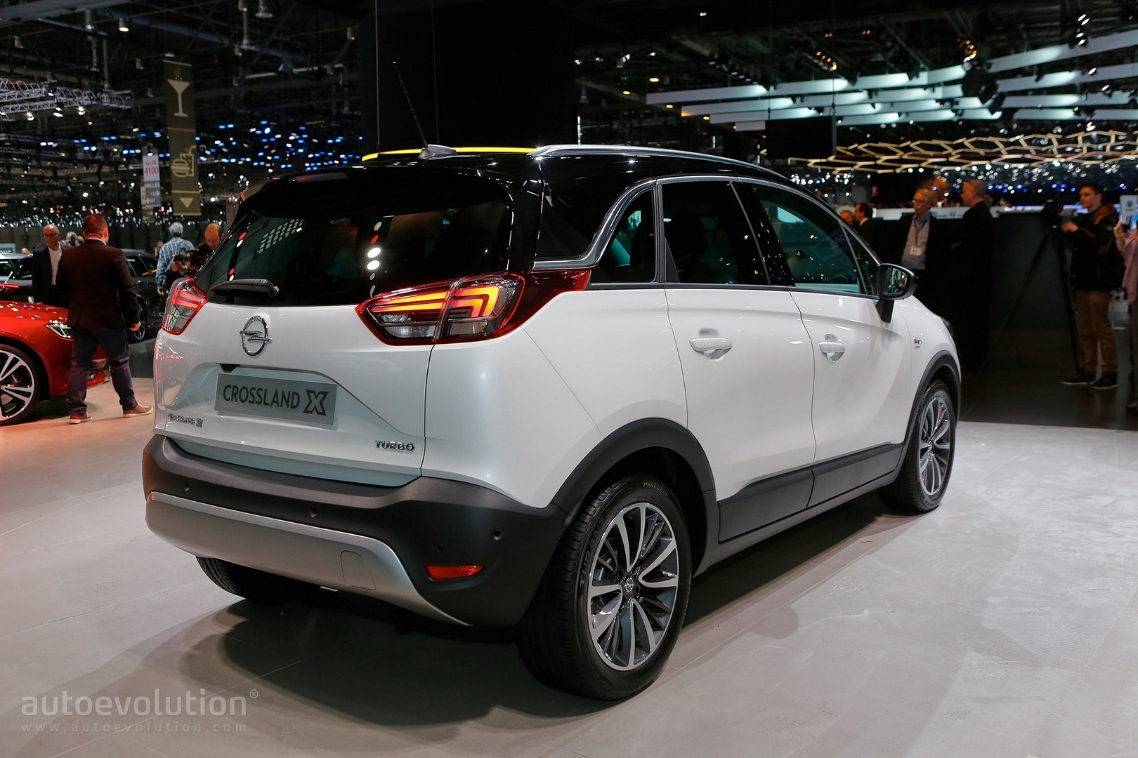 opel crossland x is now a peugeot in geneva autoevolution. Black Bedroom Furniture Sets. Home Design Ideas