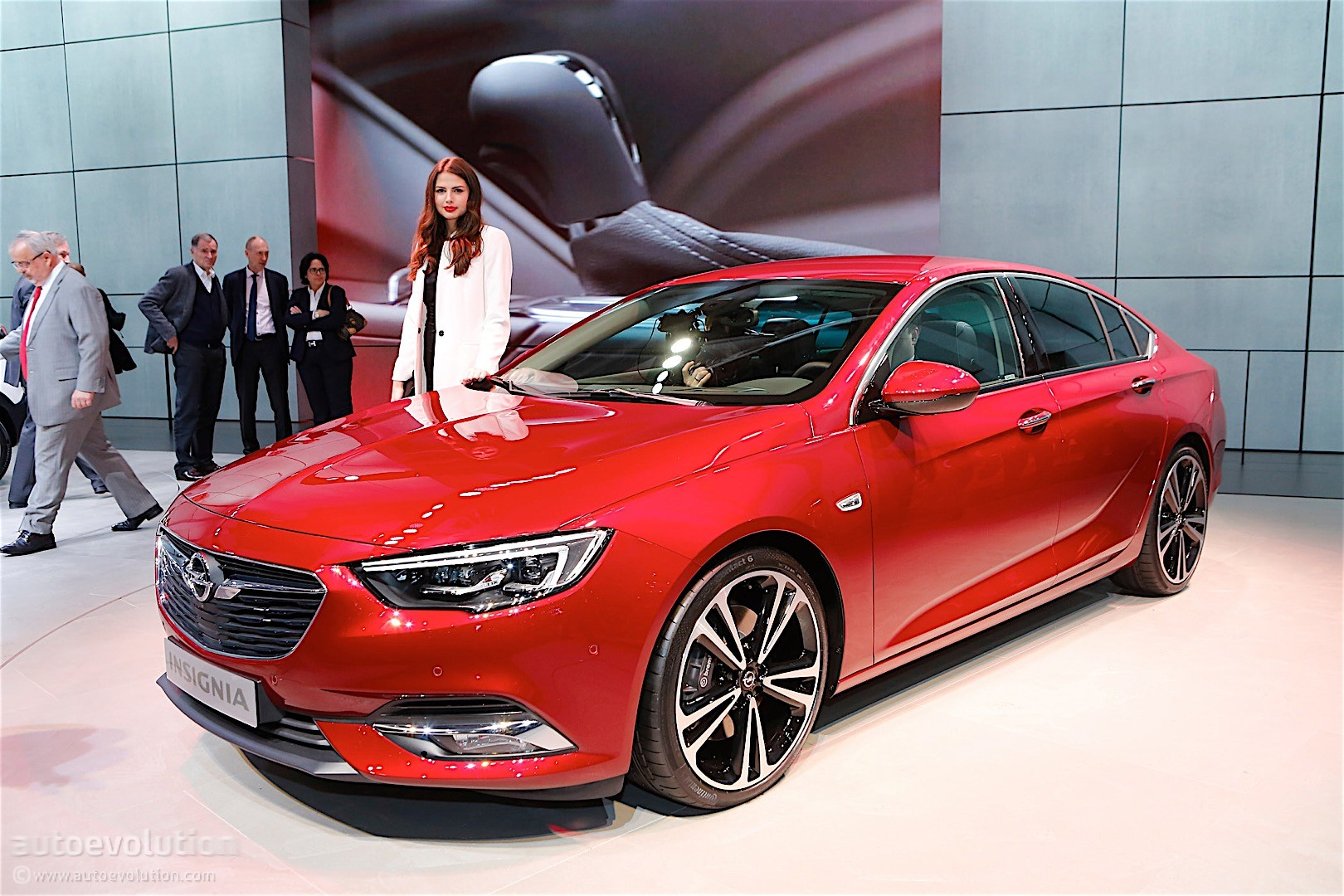 second generation opel insignia showcased in geneva its wagon brother joins it autoevolution. Black Bedroom Furniture Sets. Home Design Ideas