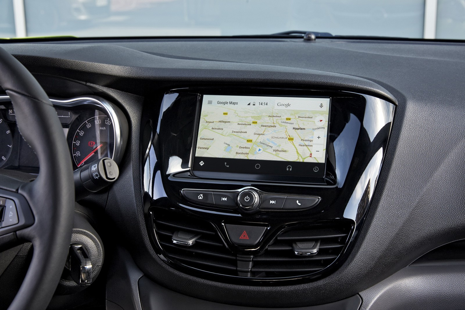 Opel Karl Gets OnStar and IntelliLink Technology, Android