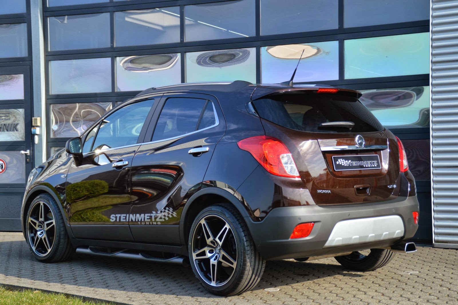 opel mokka customized by steinmetz tuning video autoevolution. Black Bedroom Furniture Sets. Home Design Ideas