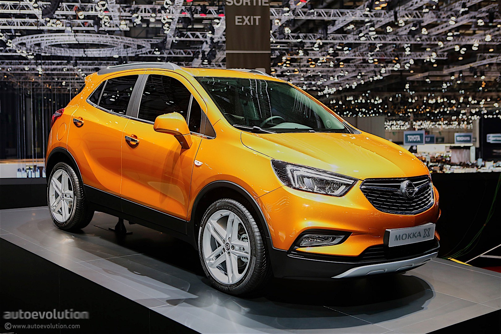 2016 opel mokka x priced in germany from 18 990 autoevolution. Black Bedroom Furniture Sets. Home Design Ideas