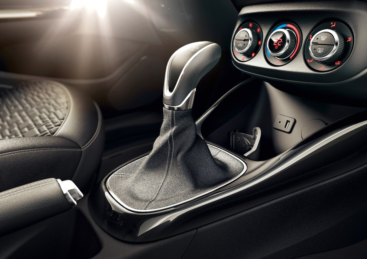 opel now offers easytronic automated manual on karl astra adam and rh autoevolution com Vauxhall Corsa Boot Vauxhall Corsa Trunk Space