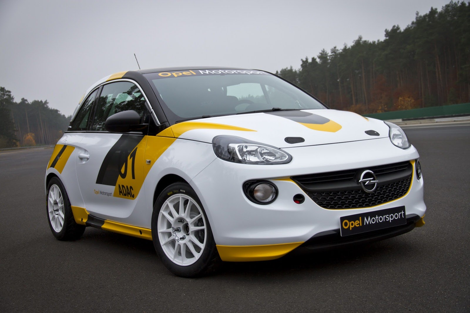 opel returns to motorsport with astra opc cup and adam cup video autoevolution. Black Bedroom Furniture Sets. Home Design Ideas