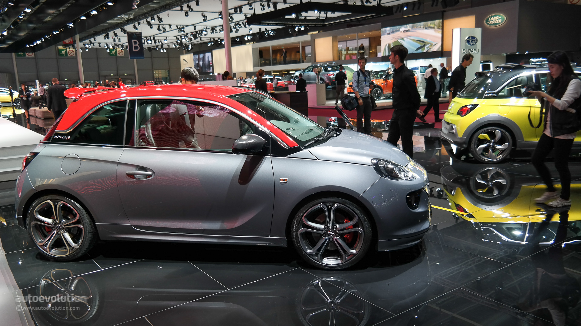 opel vauxhall adam s debuts in paris small in size big on power live photos autoevolution. Black Bedroom Furniture Sets. Home Design Ideas