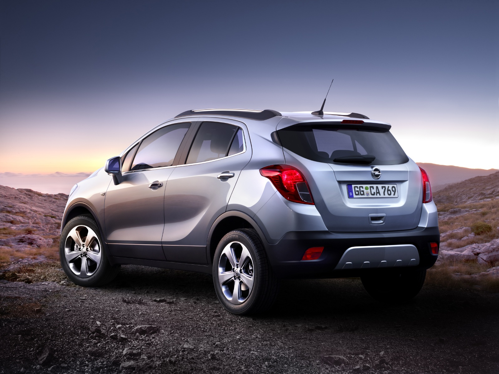 Opel / Vauxhall Mokka Crossover Revealed - autoevolution