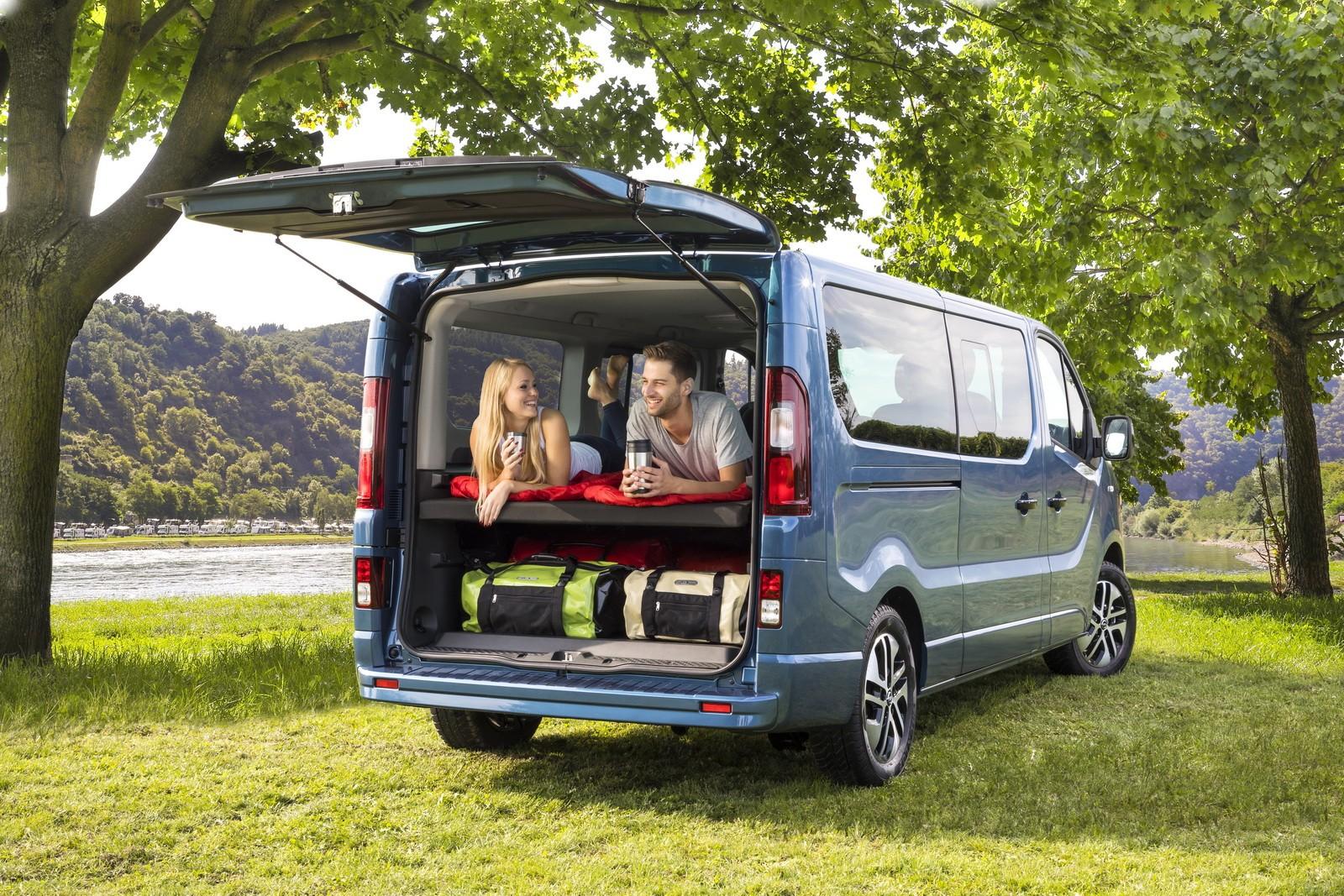 opel vivaro life makes camper vans look cool in frankfurt. Black Bedroom Furniture Sets. Home Design Ideas