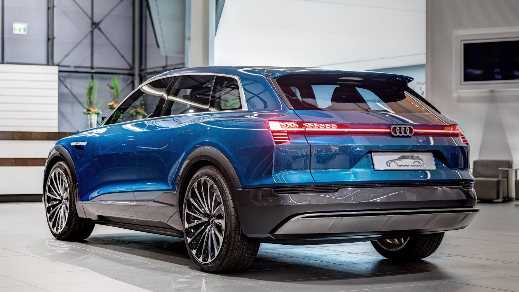 Suv Audi E Tron Quattro Concept Arrives At Forum Neckarsulm