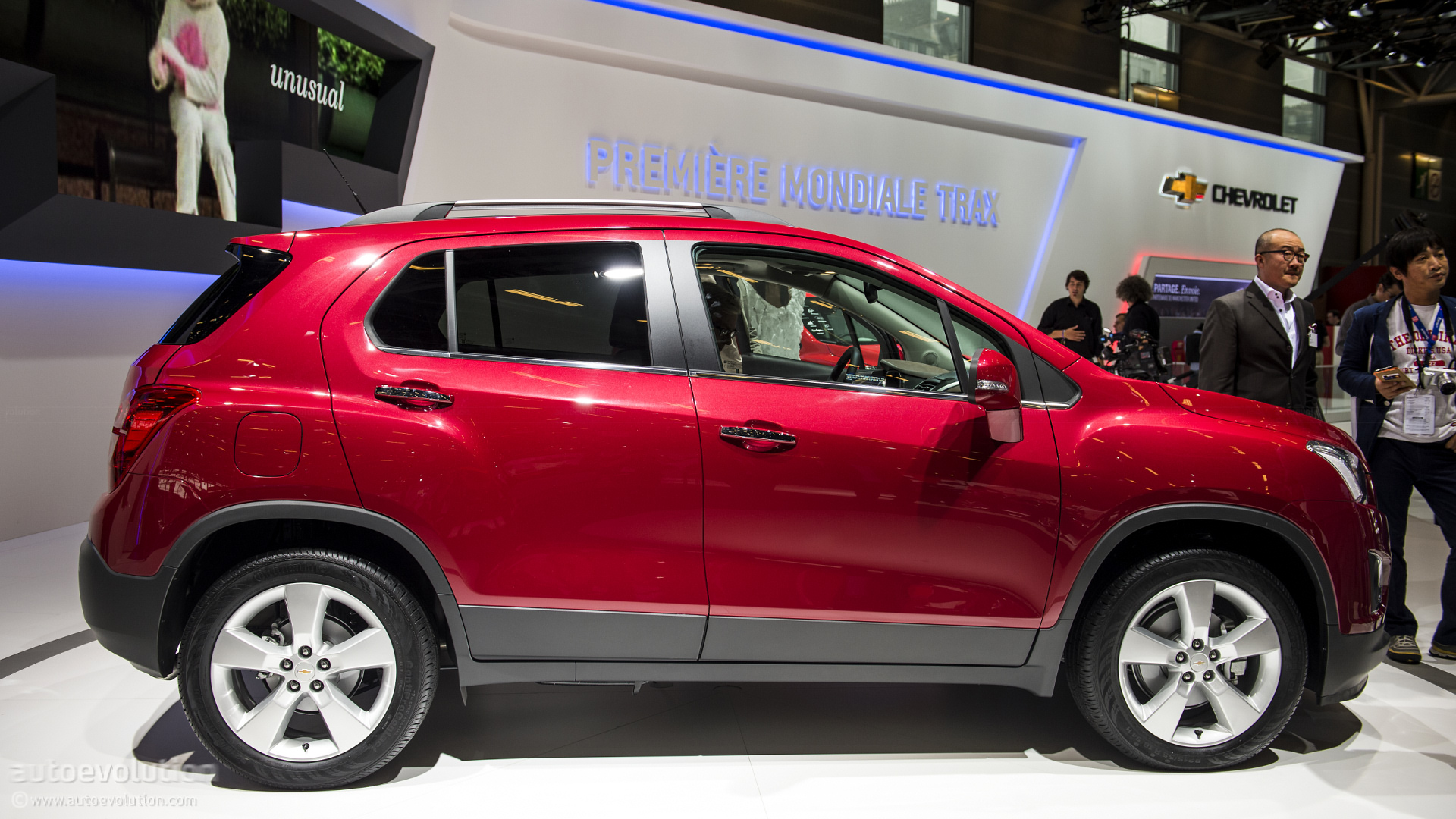 Paris 2012 Chevrolet Trax In Manchester United Theme