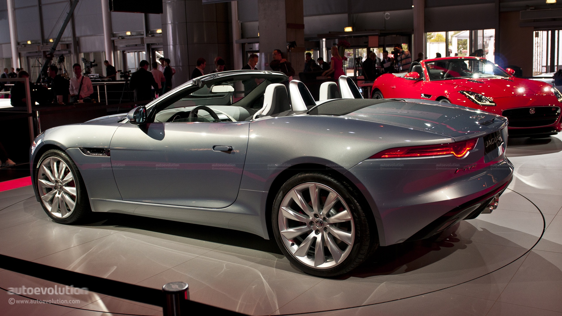 2012 jaguar xf prices reviews and pictures us news. Black Bedroom Furniture Sets. Home Design Ideas