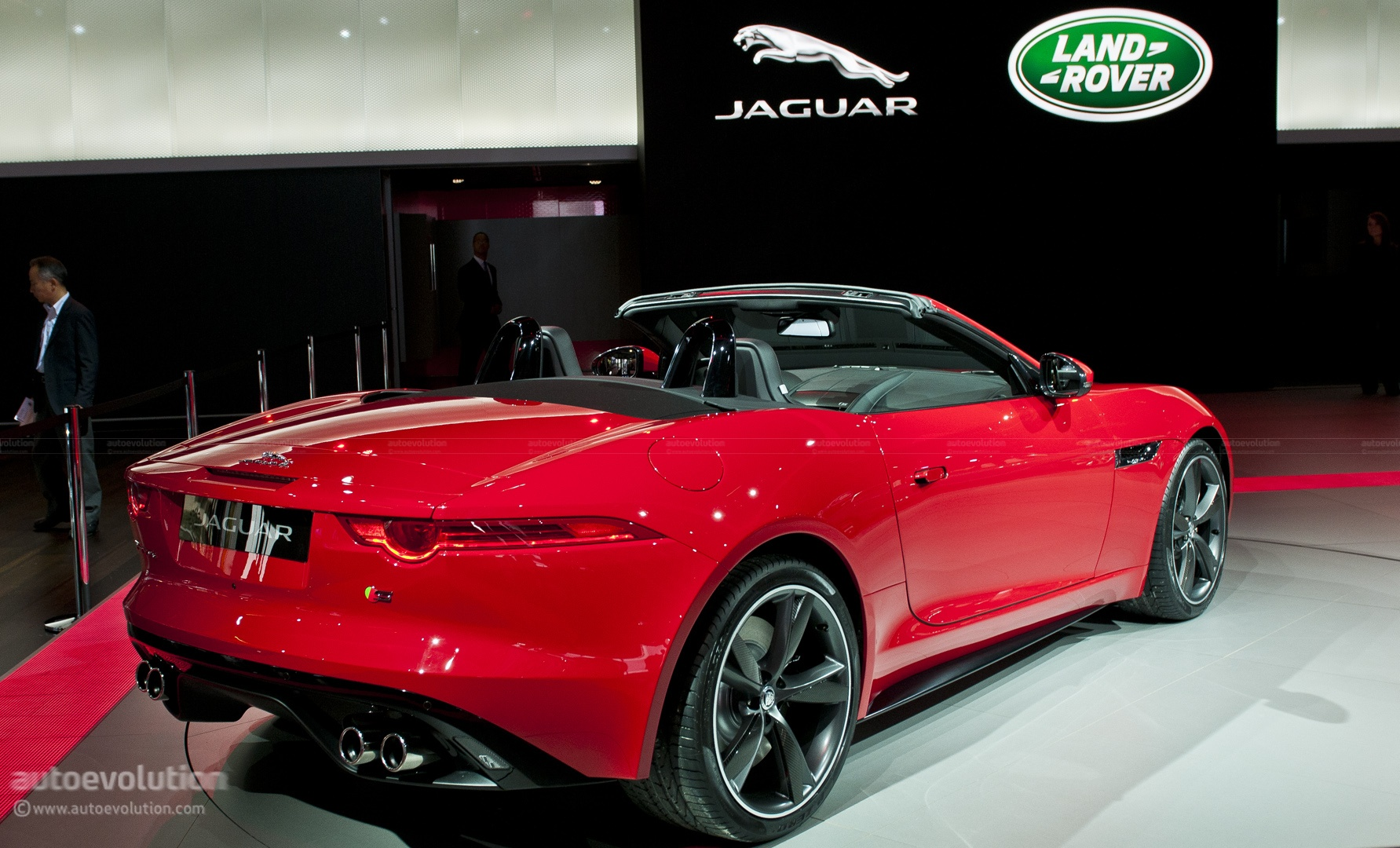 Paris 2012 Jaguar F Type Live Photos Autoevolution