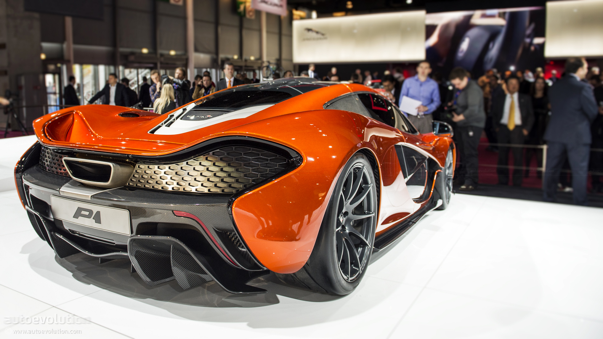 Paris Mclaren Hypercar Concept Live Photos Autoevolution