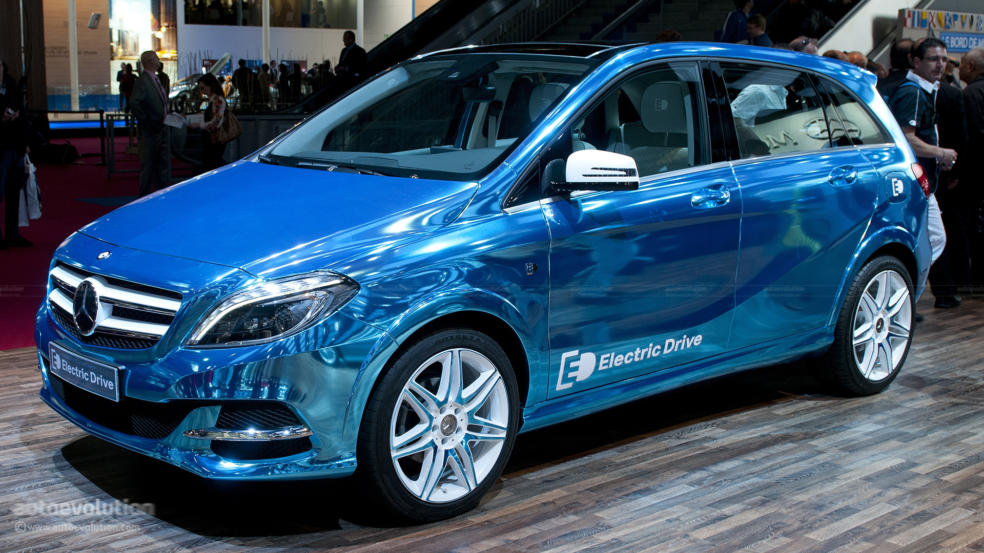 paris 2012 mercedes benz b class electric drive live